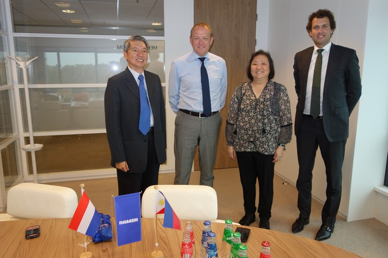 From Left to Right: Propmech CEO Mr. Philip Ong, Damen Area Director for Asia Pacifi c Mr. Roland Briene, Propmech COO Mrs. Helen Tong, Damen Sales Manager for Asia Pacifi c Mr. Gysbert Boersma.