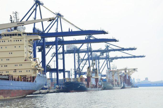 mnhpi-2nd-photo-6units-of-ship-to-shore-qc-cranes